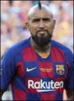 De quelle nationalité est Arturo Vidal ?