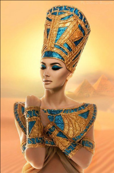 Qui est cette magnifique reine et épouse du pharaon Hérétique Akhenaton ?