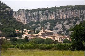 Commune occitane, dans l'arrondissement du Vigan, Corconne se situe dans le département ...