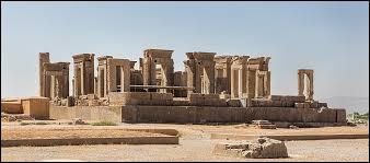 En quelle année le site de Persépolis, situé en Iran, a-t-il été inscrit au patrimoine mondial de l'UNESCO ?