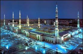 Dernière question pour l'Arabie Saoudite : dans quelle ville se trouve la mosquée du Prophète, l'une des plus grandes au monde ?
