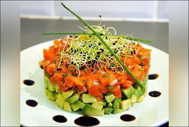 Quel est ce plat appétissant réalisé avec un poisson sauvage ?