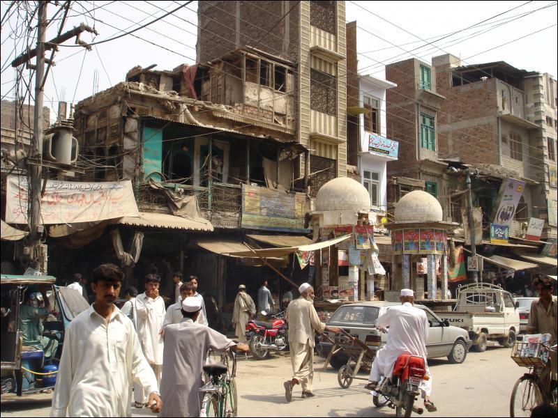 Le Pakistan, république islamique, est traditionnellement compté dans les pays formant le Moyen-Orient.