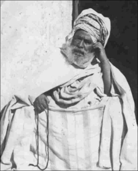 Comment appelle-t-on un chef de tribu arabe ?