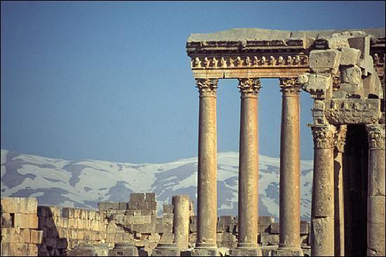 Dans quel pays se trouvent Baalbek (photo) et Byblos (aujourd'hui Djebail) ?