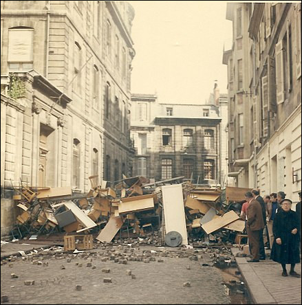 """En quelle année le général De Gaulle a-t-il lancé sa phrase """"La réforme, oui ! la chienlit, non !"""" ?"""