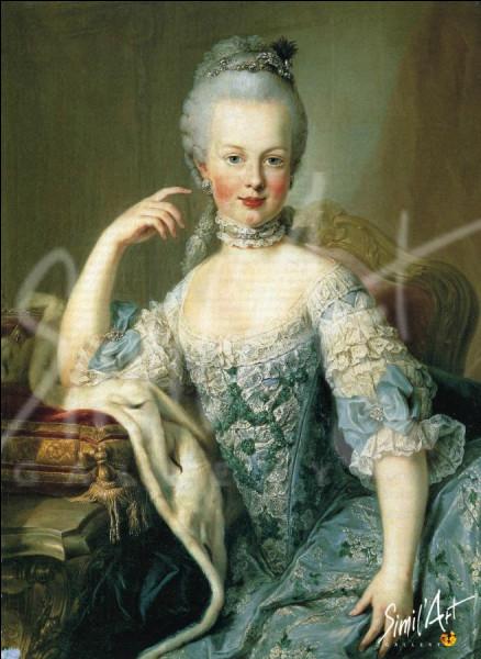 Selon 'Les Confessions' de J. J. Rousseau en 1782, qu'aurait répondu Marie Antoinette, à ceux venant lui dire que le peuple n'avait plus de pain à manger ?
