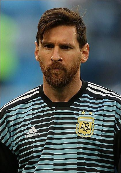 Quel club a été le premier de Lionel Messi (pro) ?