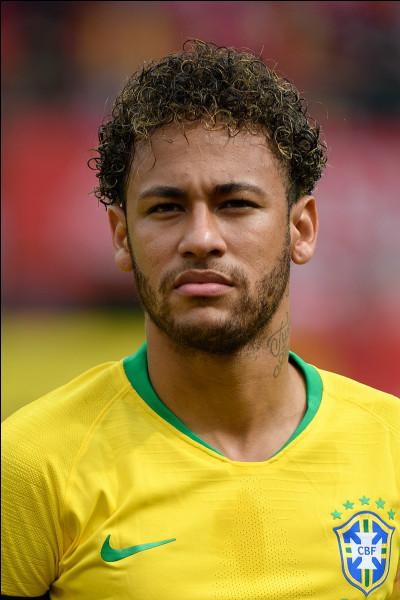 Quel a été le premier club de Neymar JR (pro) ?