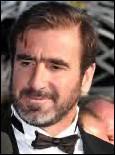 Commençons ce quiz par Eric Cantona, idole des supporters des Red Devils avec qui il joua la plupart de sa carrière.En août 1987, nonobstant ses 5 petites sélections, comme il n'est pas convoqué par Henri Michel pour un match amical, il s'emporte une première fois et traite ouvertement son sélectionneur de ___ ?