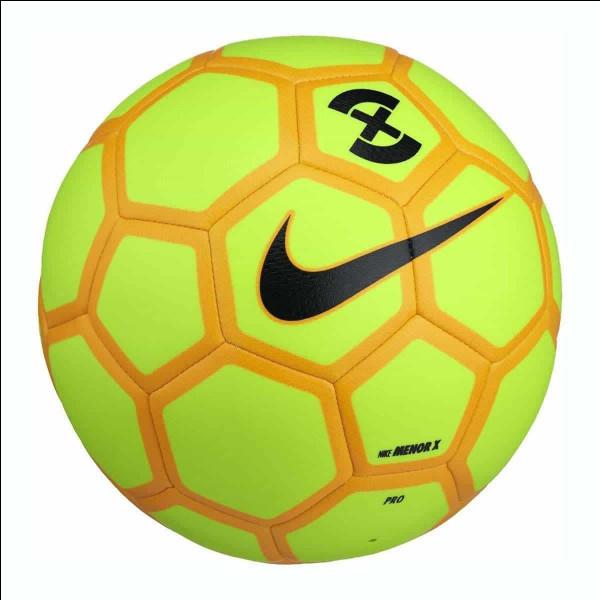 Quelle est la taille des ballons chez les professionnels ?