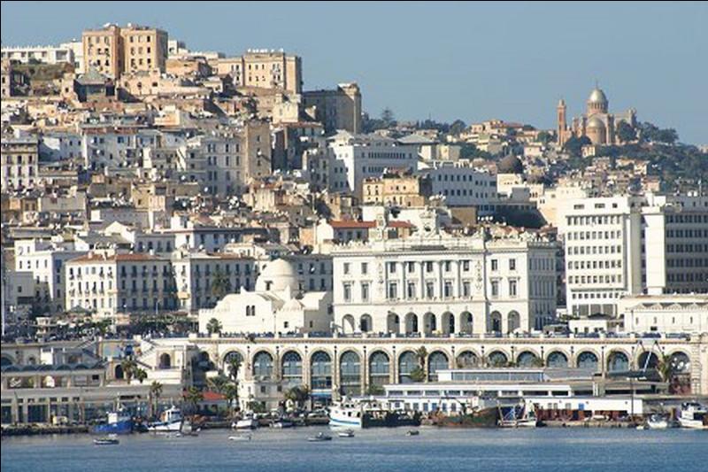Comment appelle-t-on les habitants de la ville d'Alger ?