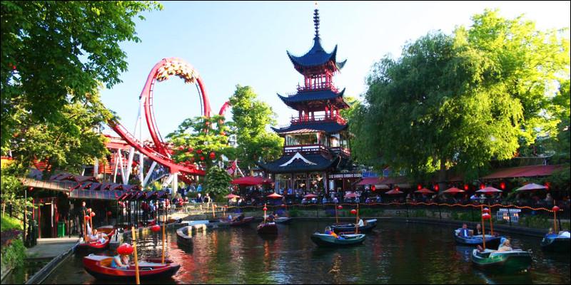 Dans quelle capitale, peut-on se balader dans les jardins de Tivoli ?