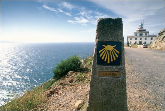 Dans quel pays européen, trouve-t-on le cap Finisterre ?