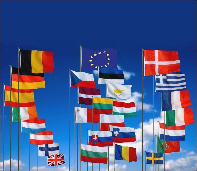 Combien de pays compte l'UE ?