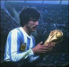 Qui était le capitaine de l'Argentine durant toute la compétition ?