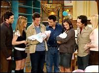 Combien de fois la grand-mère de Ross et Monica meurt-elle ?