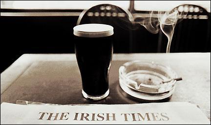 Dans quelle ville paraît «The Irish Times» ?