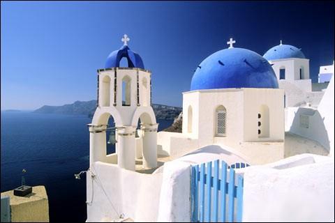 Quel pays européen de 132 000 km² est principalement orthodoxe ?