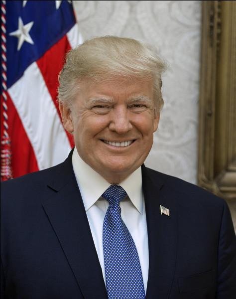 Continuons, vous voulez bien ?Qui est le président de la Russie ?