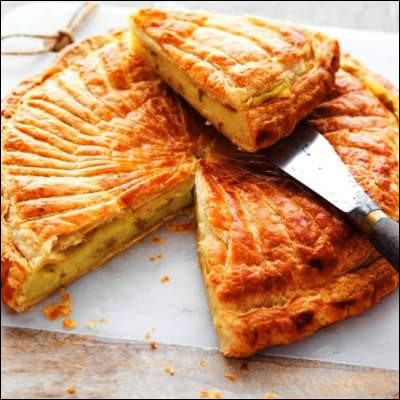 Comment appelle-t-on une tarte recouverte d'une abaisse ?