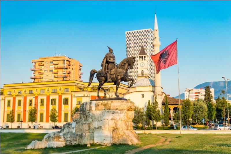 Indépendance - Le dernier pays/empire à avoir annexé l'Albanie fut :
