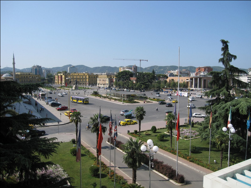 Culture - Comment s'appelle cette importante place albanaise ?
