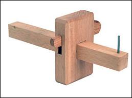 Quel est cet outil de traçage utilisé par les menuisiers et les ébénistes ?