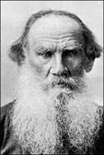 """Qui est ce Léon, écrivain russe, célèbre pour ses romans et nouvelles de la vie du peuple russe à l'époque des tsars comme le roman """"Guerre et Paix"""", mort en 1910 ?"""