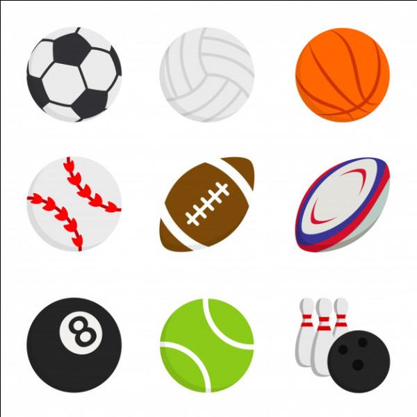 Un ballon de rugby est...