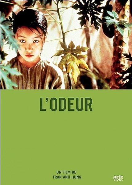 L'odeur de quel fruit constitue le titre du film de Tran Anh Hung, histoire de Mui, une domestique à Saïgon ?