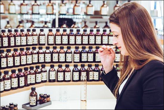 Combien de temps dure le développement d'un nouveau parfum ?