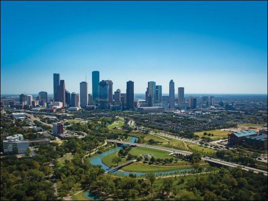 Dans quel État américain peut-on trouver la ville de Houston ?
