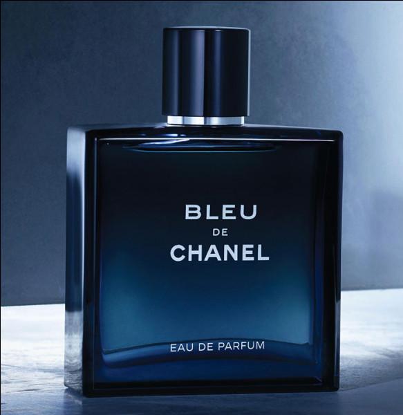 """Voici l'audacieuse eau de toilette """"Bleu de Chanel"""" où se mêlent harmonieusement des notes fraîches et boisées. À qui va-t-elle convenir ?"""