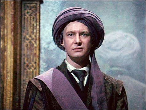Commençons avec Harry Potter : quel est le prénom du professeur Quirrell ?