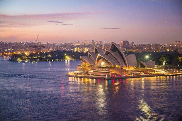 Comment se nomme la capitale de l'Australie ?