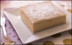 Quel est ce gâteau russe constitué d'un biscuit fourré de crème au beurre et saupoudré de sucre glace ?