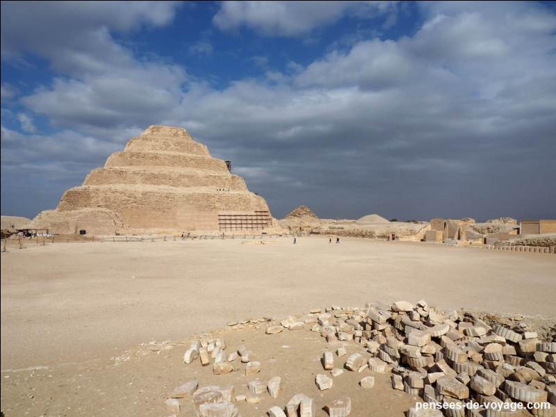 Quel pharaon s'est fait construire la toute première pyramide d'Égypte ?