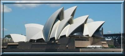 Dans quelle ville se trouve cet opéra ?