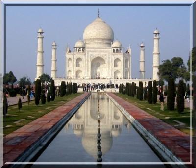Dans quelle ville se trouve le Taj-Mahal ?