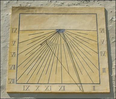 Un cadran solaire fabriqué à Augsburg donnait les heures exactes sur une tour parisienne au Moyen Age.