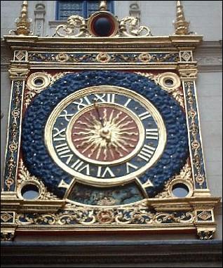 Au Moyen Age les grosses horloges des beffrois étaient entretenues par des menuisiers.