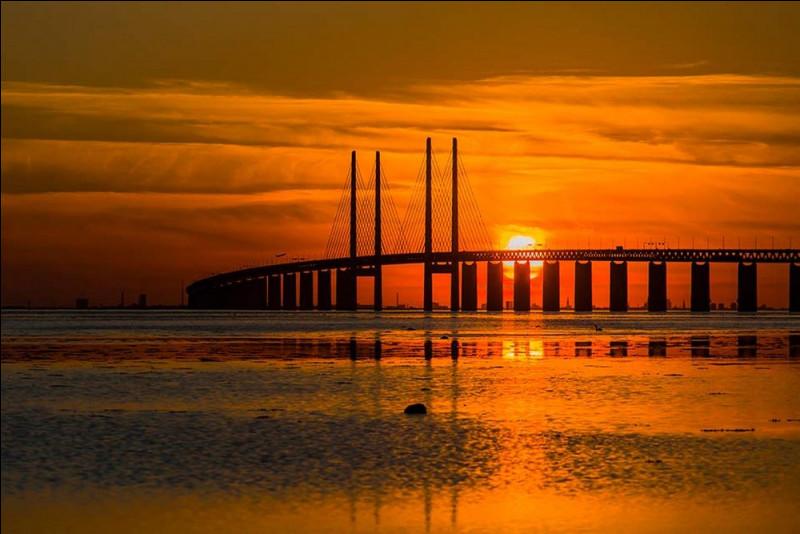 Pour atteindre la destination finale de notre croisière, Copenhague, il nous reste à franchir un détroit. Quel est ce détroit séparant Malmö et la capitale danoise ?