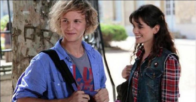 Qui dans la première saison est le tout premier petit copain de Clem ?