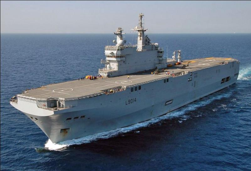 Nous avons un porte-hélicoptères amphibie. La France en possède trois. Le Tonnerre, le Mistral et le...