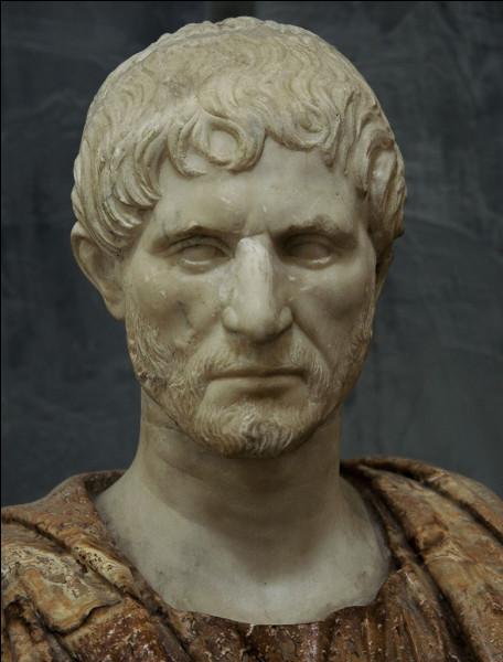 Brutus a conservé l'image du traître par excellence pour avoir participé à la mort de Jules César. Qui était-il ?