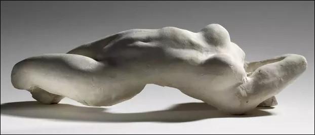 Quelle œuvre n'est pas d'Auguste Rodin ?