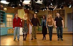 Quelle actrice aperçoit-on au Central Perk et, qui prend Phoebe pour Ursula ?