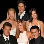 Qui joue l'ami de Phoebe, qui s'extasie sur tout ?