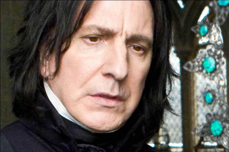 Qui partage son corps avec celui de Lord Voldemort (1) ?